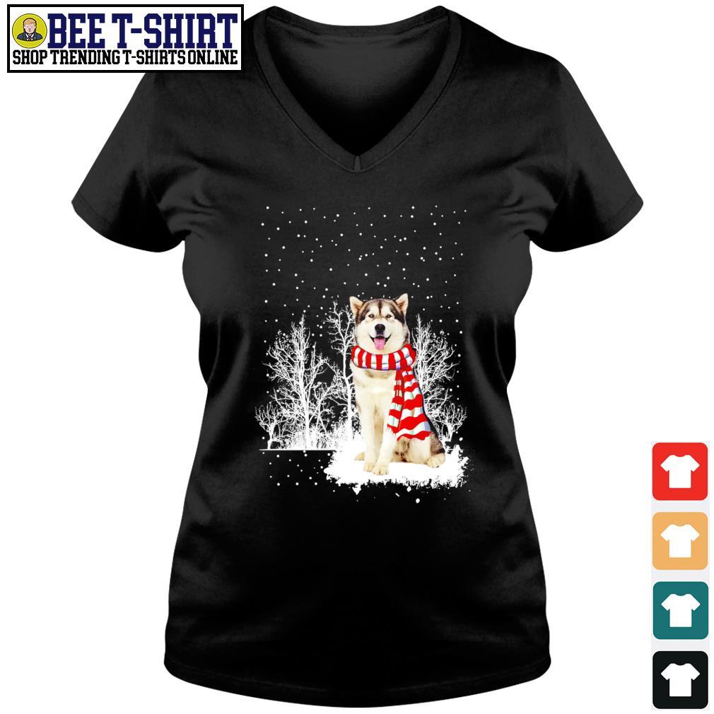 Snow Scarf Alaskan Malamute Merry Christmas s v-neck t-shirt